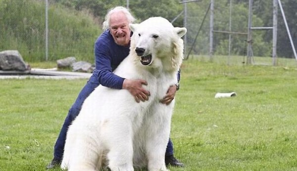 Man_Polar_Bear_5