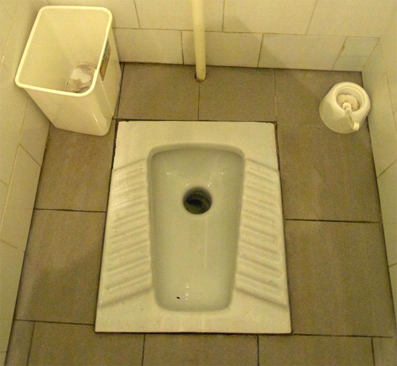 v-ochko-v-tualete