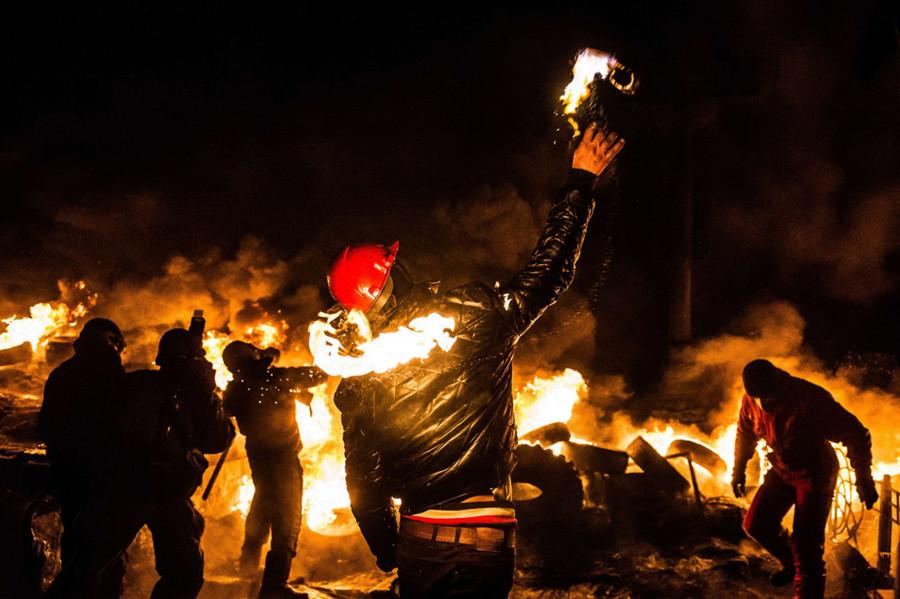 A-Ukrainian-Anti-Government-Protester