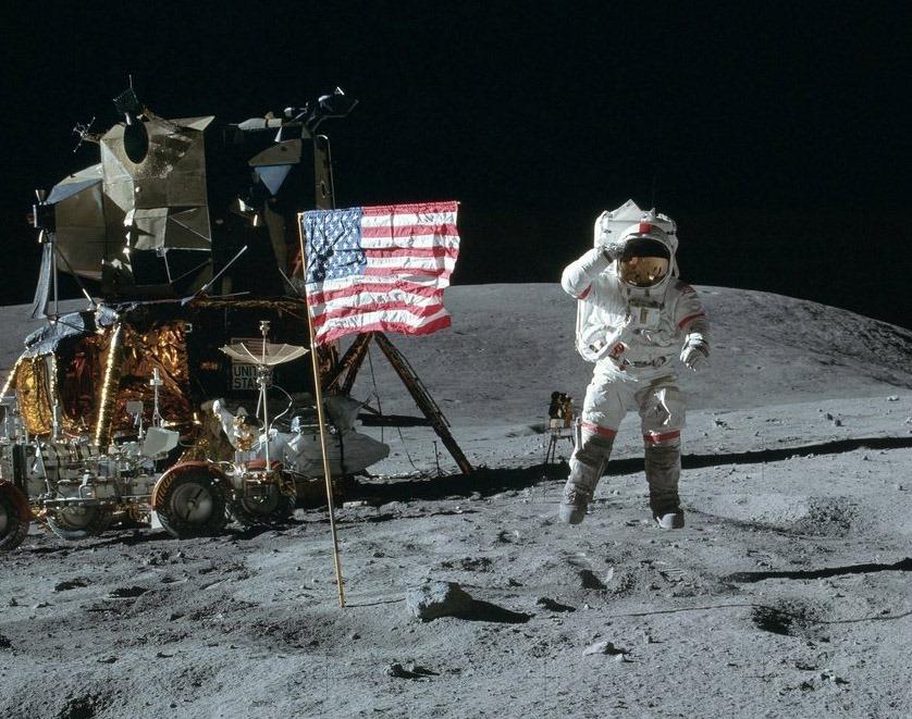 Американцы на Луне.jpg
