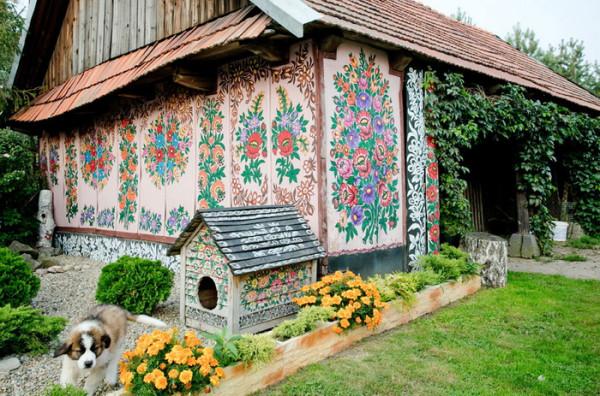 Zalipie-painted-village-1