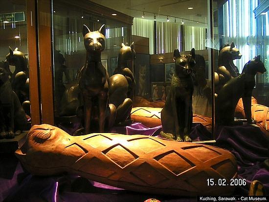 kuching_cat_museum_19