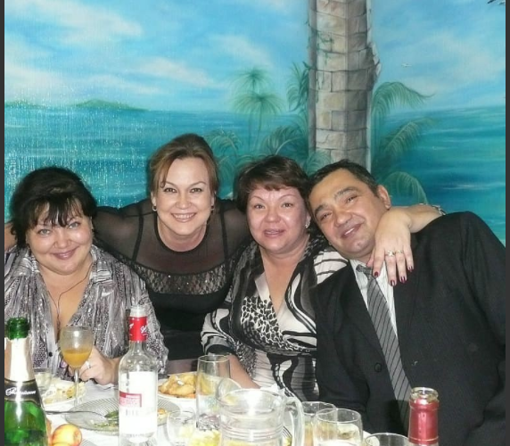 Лена,я, Таня и наш муж