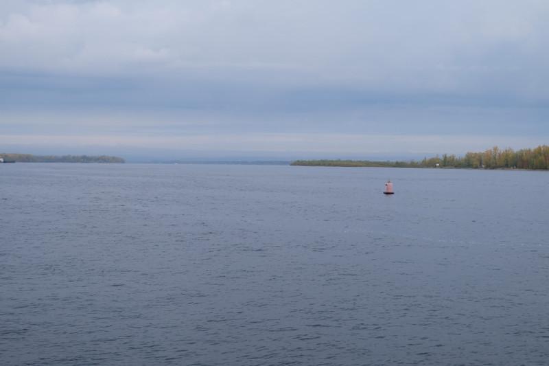 И вперёд. Волга - Волга, широка и глубока. Правда, ниже Самары начинает подтапливать Саратовское водохранилище.
