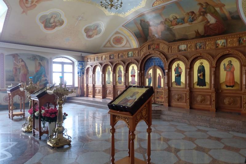Соседняя церковь Сергия Радонежского полноценно заработала годом ранее.