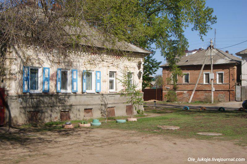В любом случае архитектурный стиль немцы использовали местный, характерный для дореволюционной России.