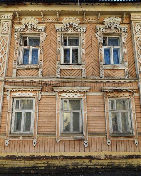 Вернемся на Льва Толстого, дом №90.