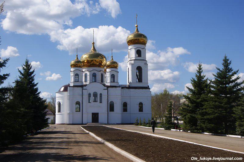 Первая остановка - село Ивантеевка на севере Саратовской области. Оно расположено ближе к Самаре (150 км), чем к Саратову (300 км).