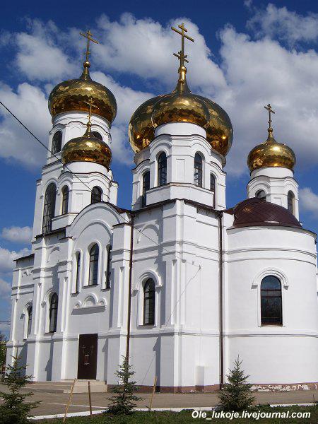 Примечательно, что до революции село Ивантеевка относилось к Самарской губернии, впрочем, как и обширные территории южнее.