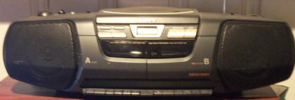 Sony_CFD_222_AM_FM_CD_Cassette_Player_Boombox_5db206a621c9a4502a2d_2