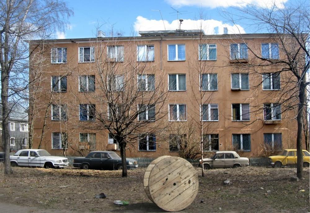 Жилой дом завода ЖБИ Баррикада (внутри квартала)