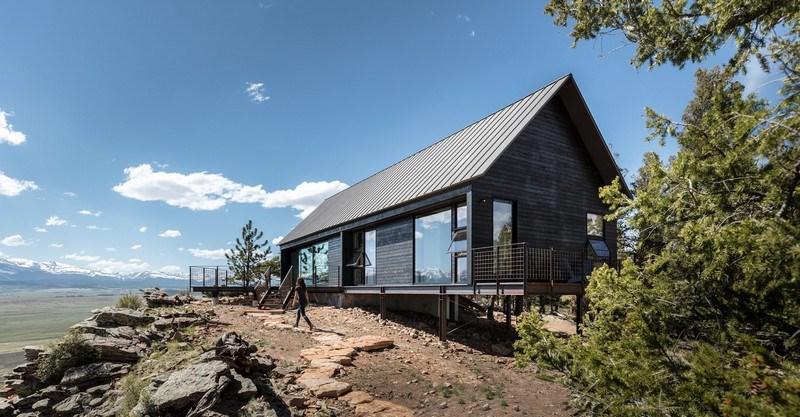 Домик в горах Колорадо фотографии