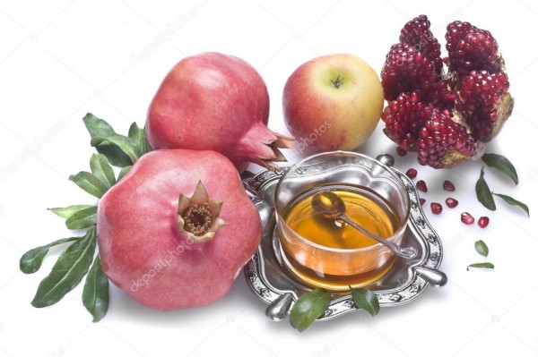 depositphotos_27587401-stock-photo-honey-with-apple-for-rosh