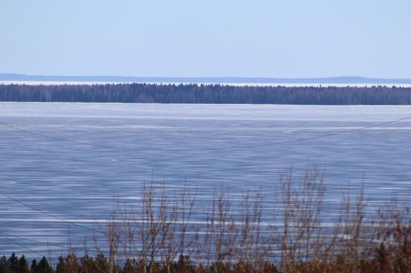 Вид на Онежское озеро с горы Ключевой