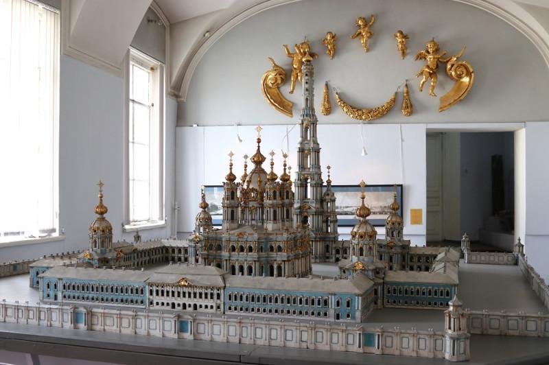 Проектная модель Смольного монастыря.
