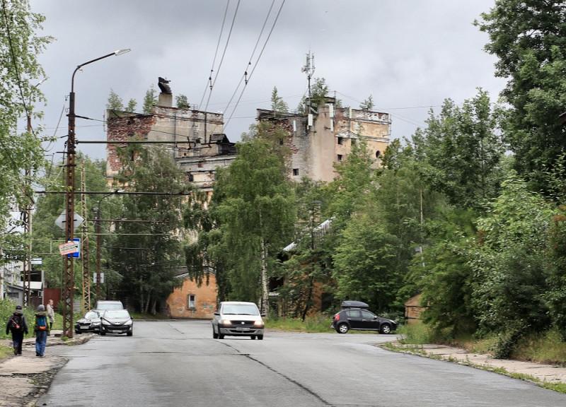 Вид на башни Петрозаводского пивзавода со стороны улицы Радищева