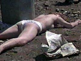 Выброшена из окна  работорговцем за отказ быть проституткой