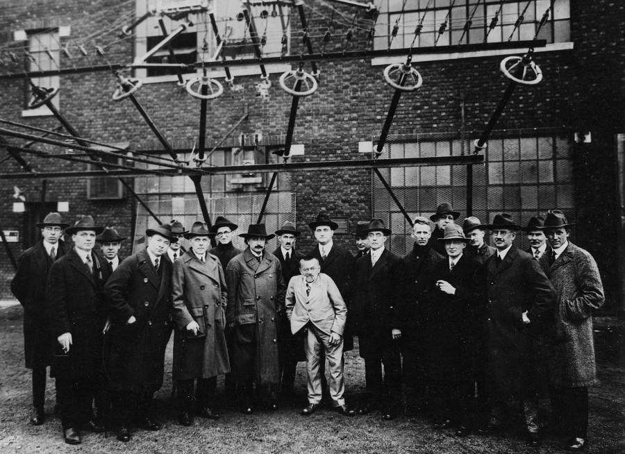 Marconi_RCA_radio_station_1921