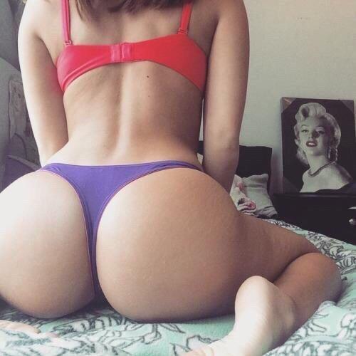 Девочку в попу смотреть онлайн 11 фотография