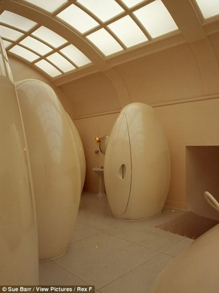 toilets08