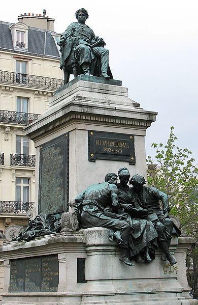 390px-Paris-dumas-monument02