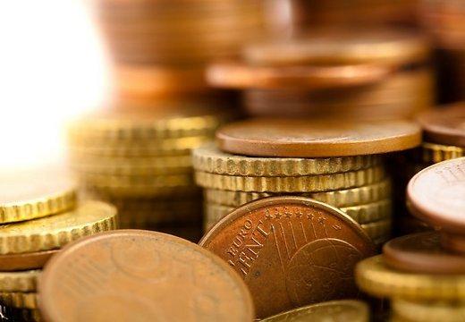 nauda-money-monetas-eiro-euro-42981730