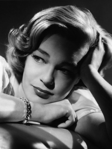 Simone-Signoret-c-1958