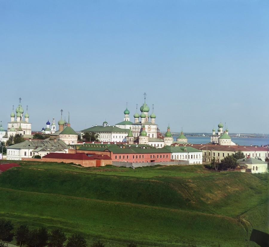 Ростов Великий Общий вид Кремля с колокольни Всесвятской церкви. Вид с северо-запада. [1911 год]