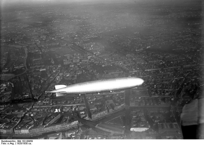 Граф Цеппелин над Берлином 1928