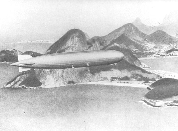 Граф Цеппелин над Рио де Жанейро