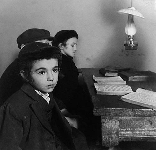 artwork_images_423904078_112726_roman-vishniac