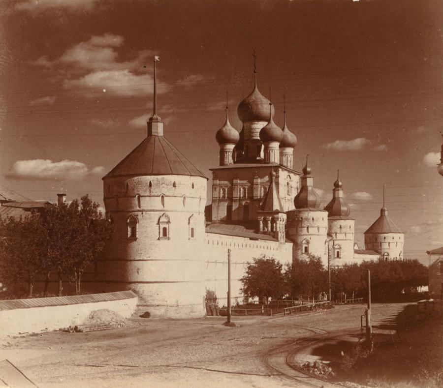 Ростов Великий ю Кремль с северо-запада. [1911 год]