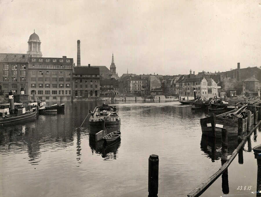 Berlin_Spree_1915-08-23