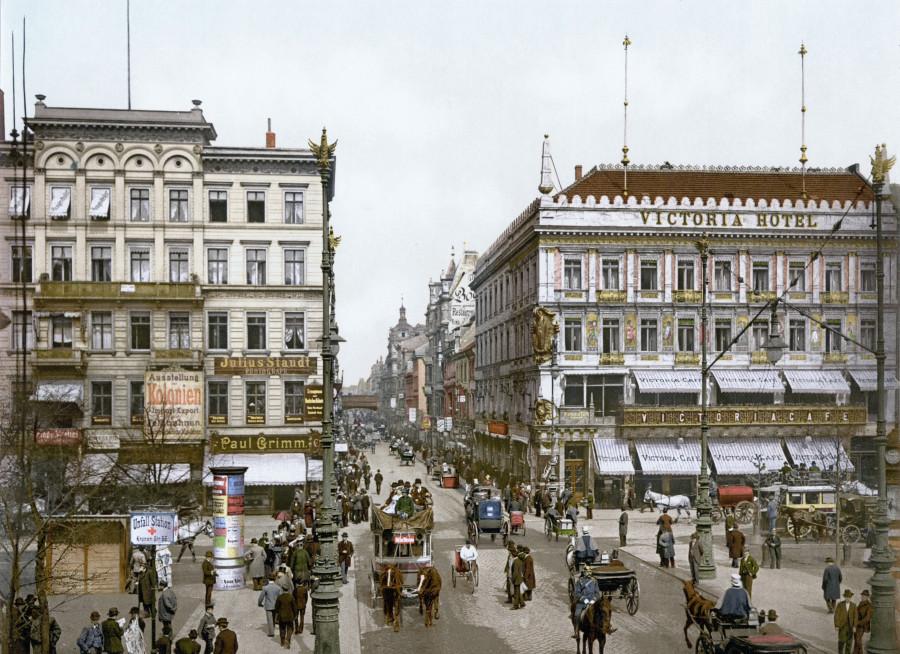 Berlin_Unter_den_Linden_Victoria_Hotel_um_1900