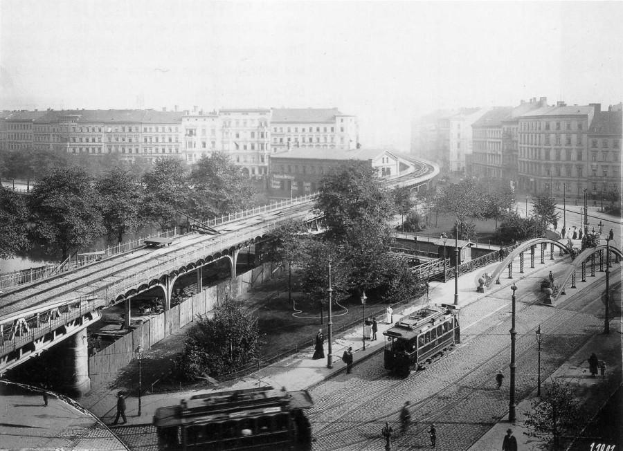 U-Bahn_Berlin_U1_Wassertorplatz_1901