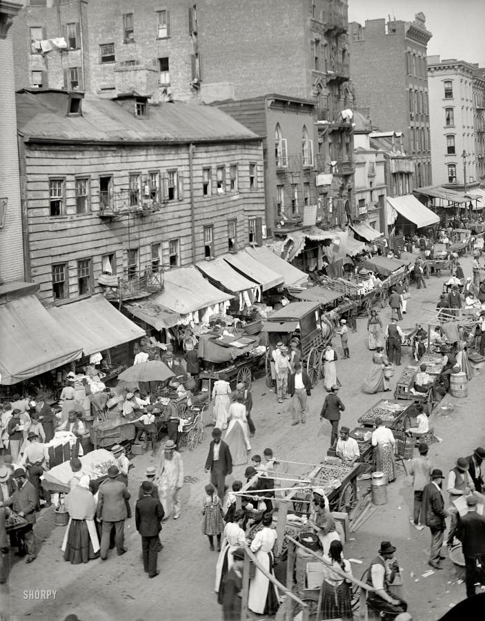 New-York-City-circa-1900.-Jewish-market-on-the-East-Side.
