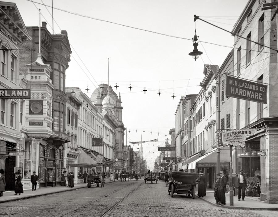 Charleston, South Carolina, circa 1910. King Street looking north98