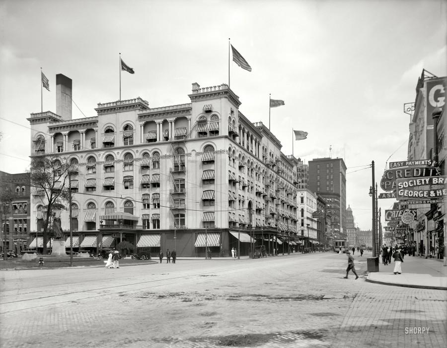 1914 Hotel Cadillac
