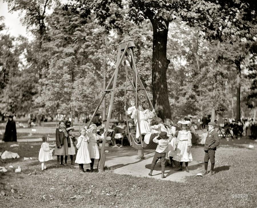 cen 1905. Children's Day, Belle Isle Park
