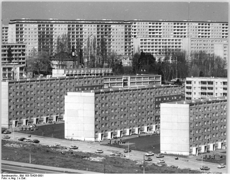 Chemnitz,_Neubaugebiet_-Fritz_Heckert-,_Wohnblocks