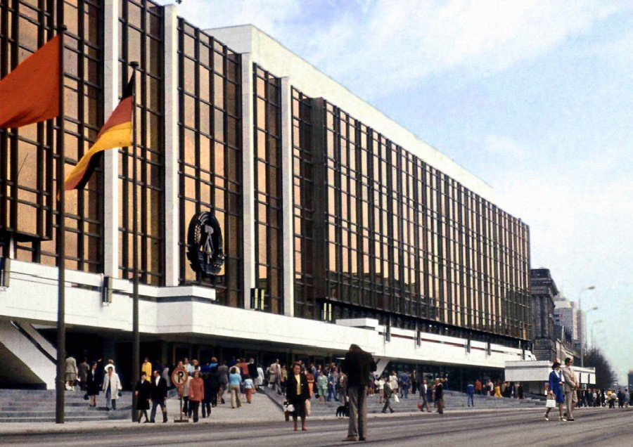 Palast_der_Republik_Berlin_DDR 1976