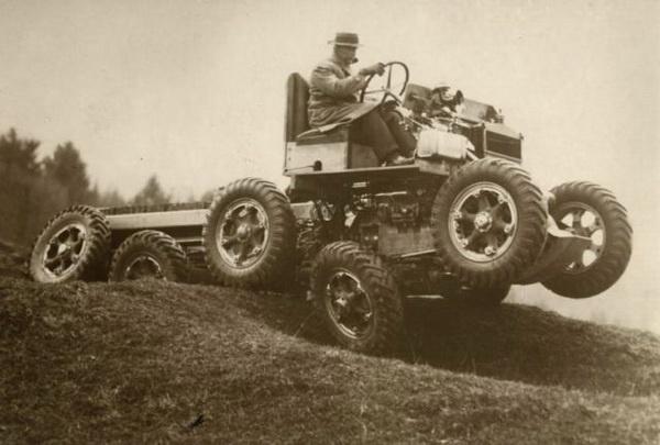 Автомобиль-неваляшка, может ездить по склонам до 65 градусов (1931)