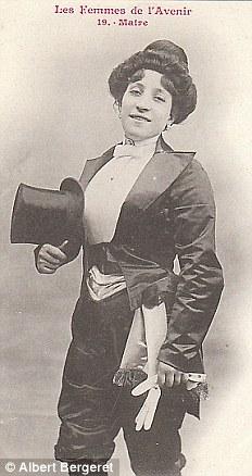 Мэр. Женщинам во Франции запрещалось работать на государственной службе до 1944 года