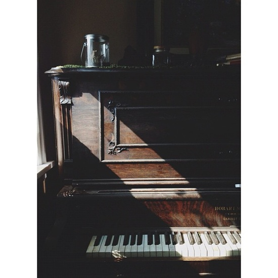 sun light on piano