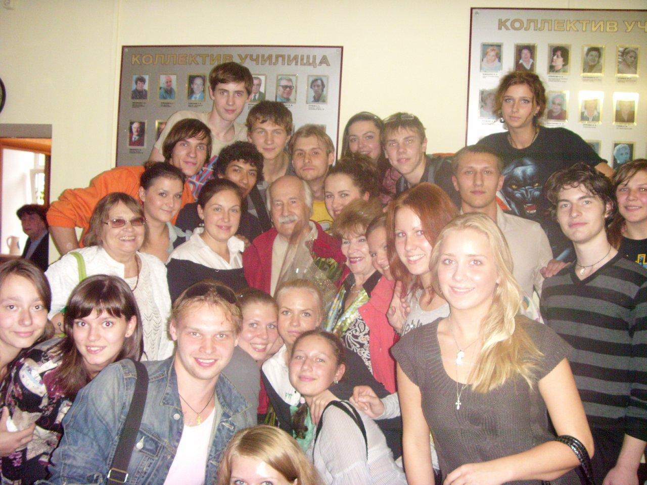 В.М.Зельдин со студентами НТУ им. Е.А.Евстигнеева