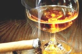 Совмещение табака и спирта приводит к похмелью