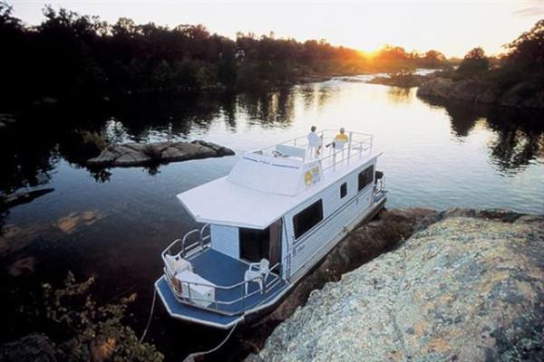 houseboat 7