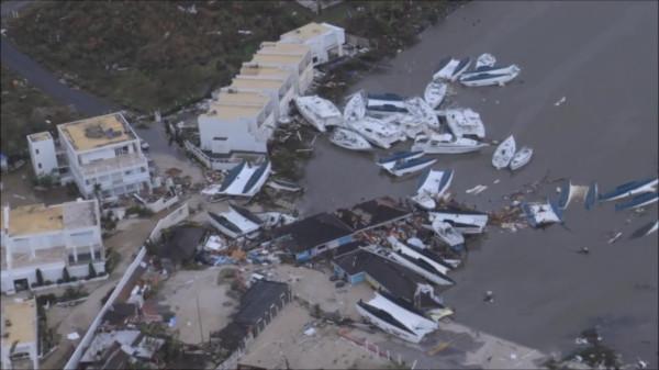 Irma-Hurricane-Hurrikan-St-Martin-Barbuda-Karib-Szigetek-Kikoto-Marina-Harbour-Yacht-HAJOZASHU