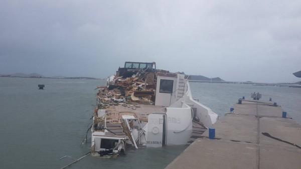 Irma-Hurricane-Hurrikan-St-Martin-Barbuda-Karib-Szigetek-Kikoto-Marina-Harbour-Yacht-HAJOZASHU4
