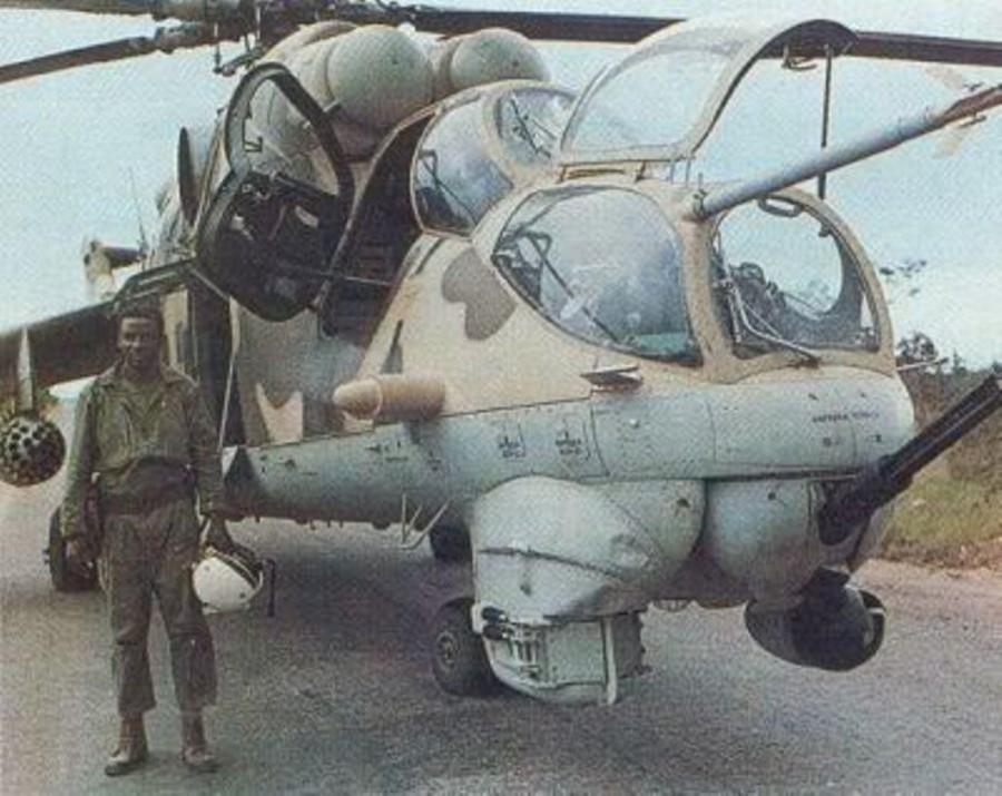 анголаaa_mi_35_with_pilot